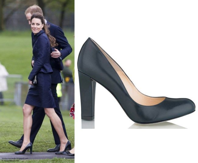 9de07f4edc8a Kate Middleton Shoes - L.K. Bennett  Art  Navy Court Pumps These pumps were  initially seen on Kate prior to her marriage on a visit to the Darwen  Aldridge ...
