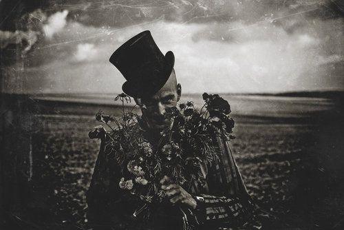 """fredericpayen.deviantart.com →    Photographer & Artist:    Frederic Payen    """"WonderWonderLand 13"""""""