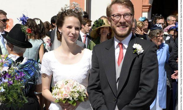 Wedding Of The Habsburgs And Descendants Of Wittelsbach Prince Franz Clemens Von Altenburg And Countess Eleonore Zu Toerring Jette Hochzeit Koniglich Heiraten