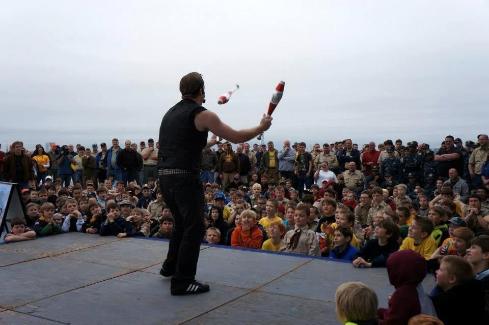 600+ Boy Scouts witnessing the awesome juggling display on board the USS Yorktown!    http://BryanDangerous.com