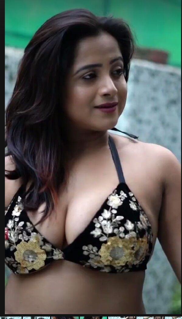 Kashmiri hot bra images, full figured women nude gallery