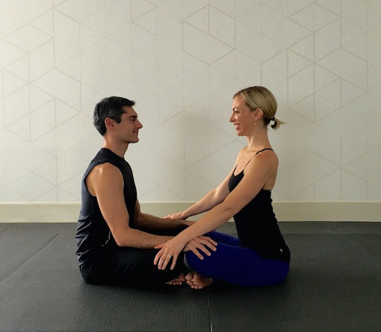 10 Partner Yoga Poses For A Strong And Flexible Relationship Partner Yoga Poses Couples Yoga Partner Yoga