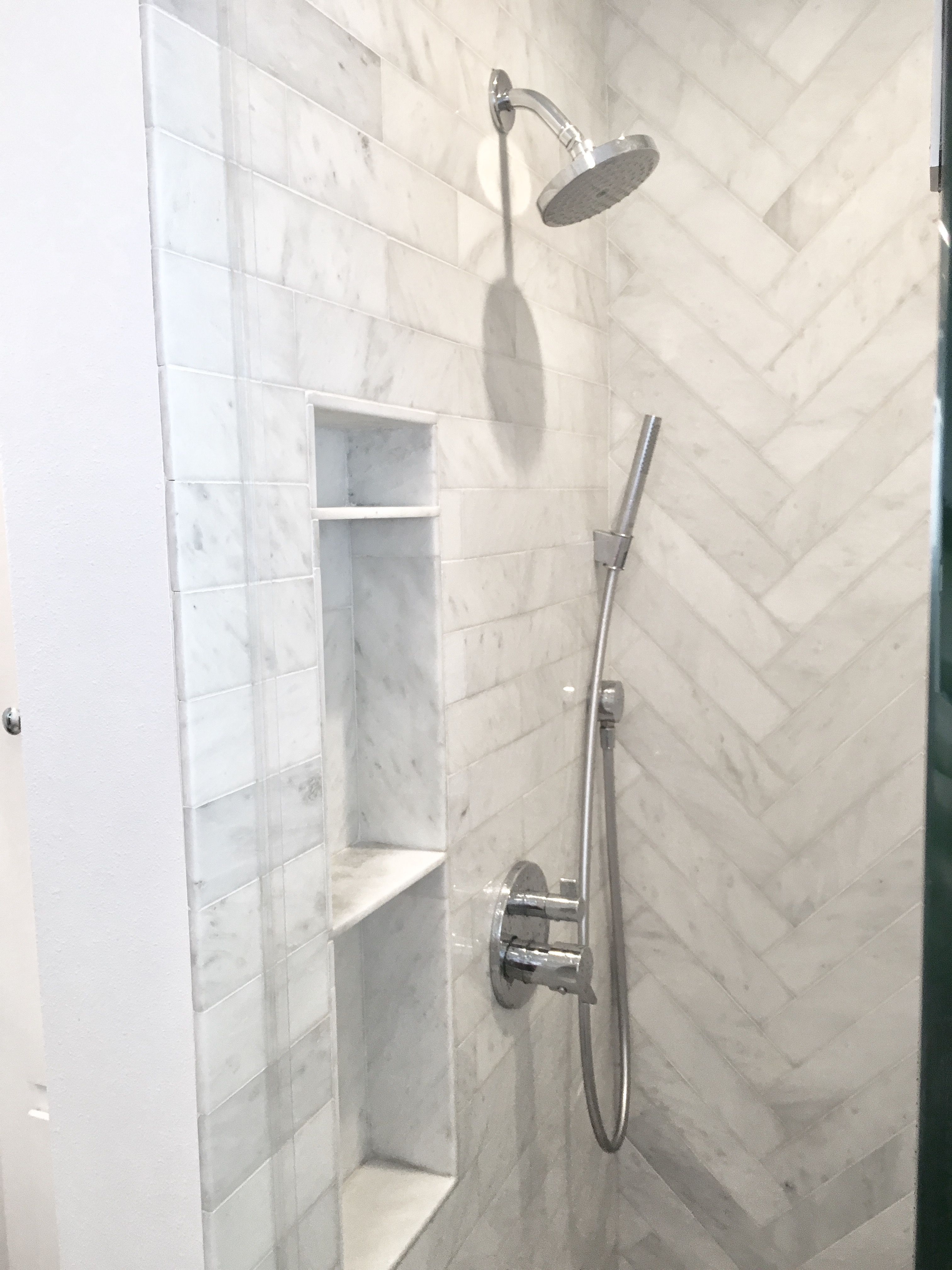 The Best Walk In Showers For Small Bathrooms Shower Niche White