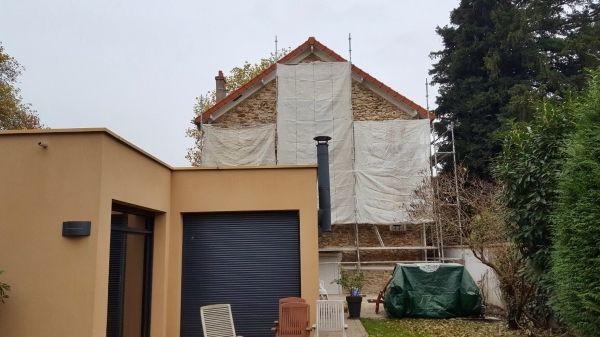 Préparation travaux de ravalement de façade de maison. Rénovation de façade de maison. Prix ...