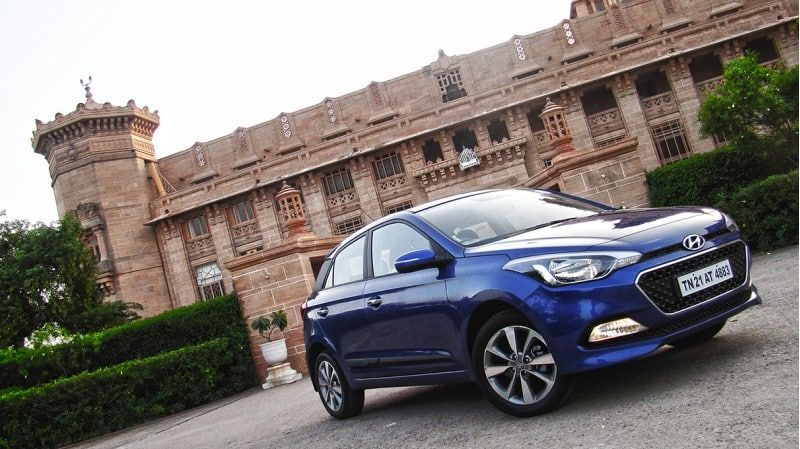 Elite I20 Gives More Dynamic Look With Its Side Character Lines And Its Sloping Roofline With Its Unique Arc Style Is Smooth And Seduc Hyundai Elite Car Prices