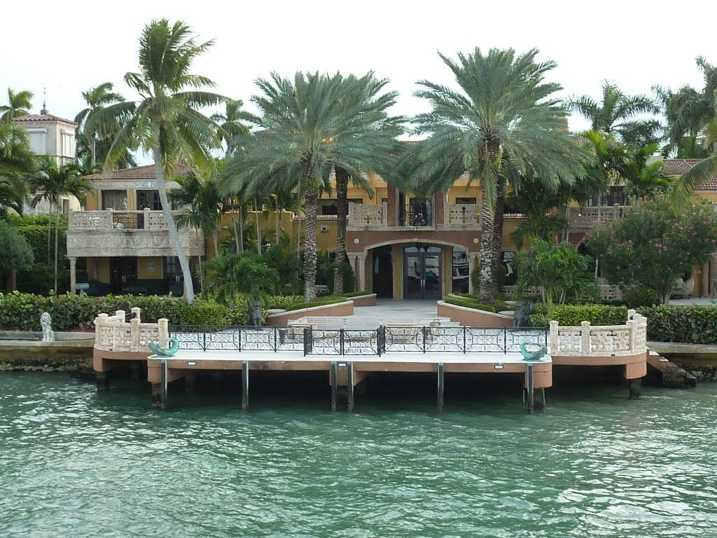 Miami star island miami beach star island charles for Star island miami houses