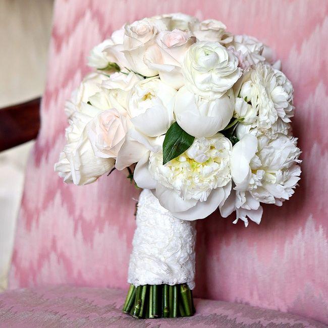 Classic White Bridal Bouquet Bray Danielle Photography Designs By Milissa Bridal Bouquet White Peonies Bridal Bouquet Bridal Bouquet Peonies