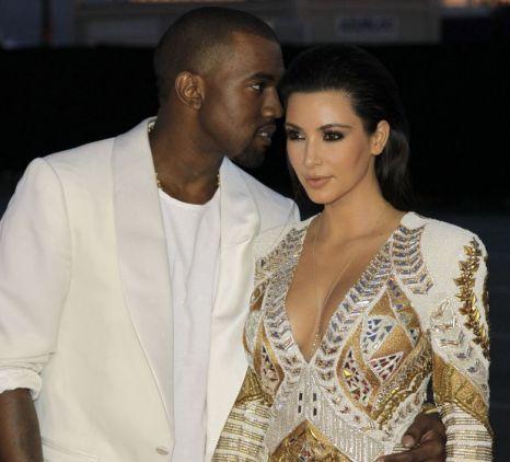 Kanye West Love And Kissing Compilation Http Www Wikilove Com Kanye West And Kim Kim And Kanye Kim Kardashian Kanye West