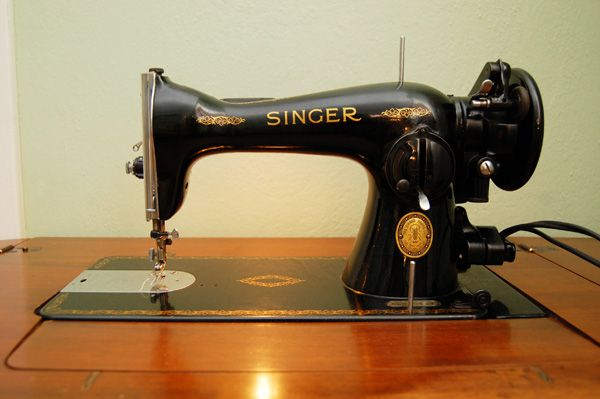 My Singer 4040 Obsession Vintage Sewing Machines Pinterest Inspiration Singer Sewing Machine 1591 Value