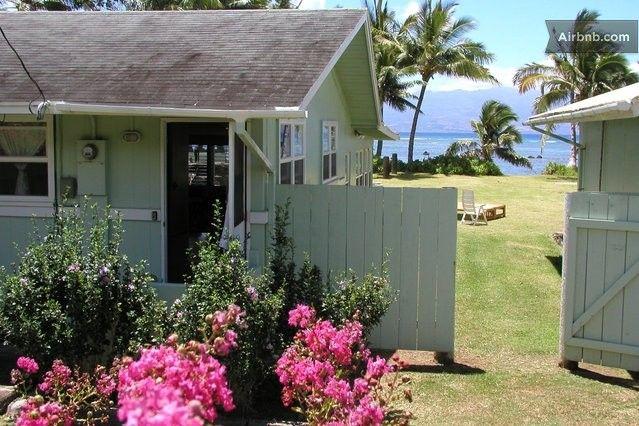Molokai Beach House Right On The Ocean