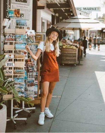 📍Cordlatzkleid rostorange mit Shirt und Sketchers weiss #clothes #Fitness #ideas #outfits #Outfitter...