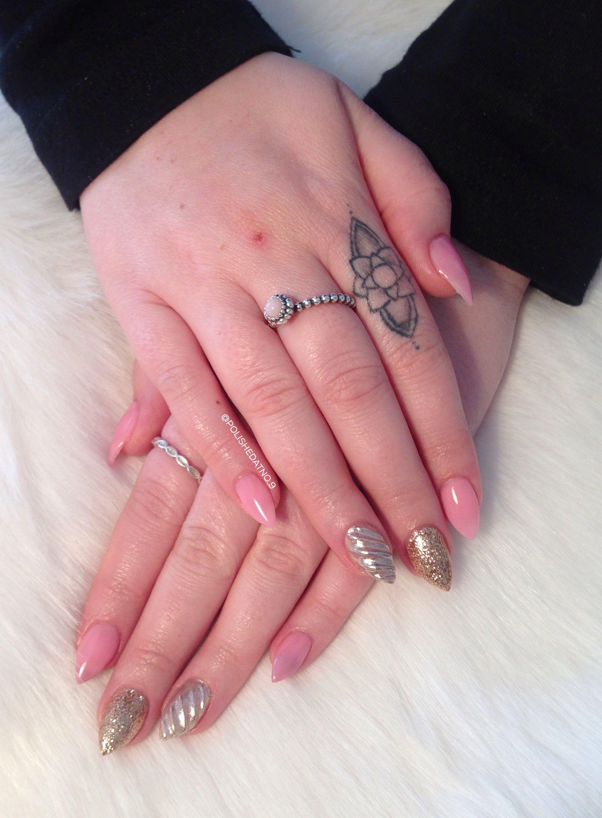 ✨ Acrylic nails with chrome unicorn horn, gold glitter light ...