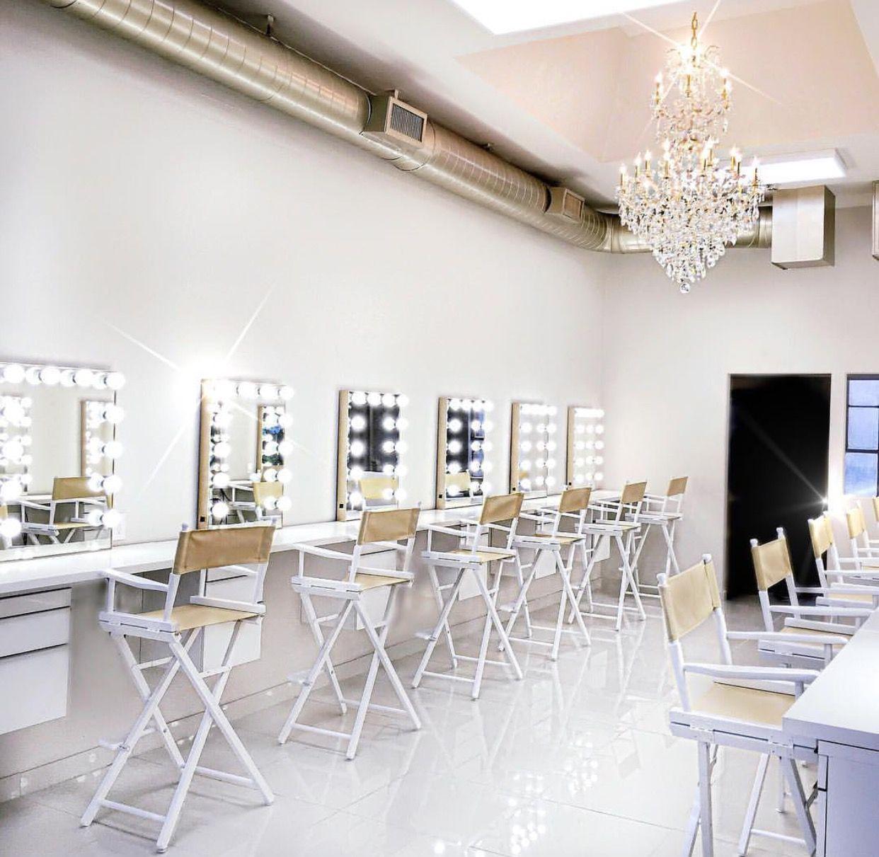 Pin Af Dani Salinas P Makeup Studio Decor Pinterest # Muebles Katrina