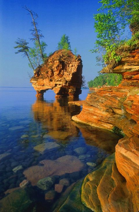Seastack Apostle Island  Lake Superior in Northern Wisconsin