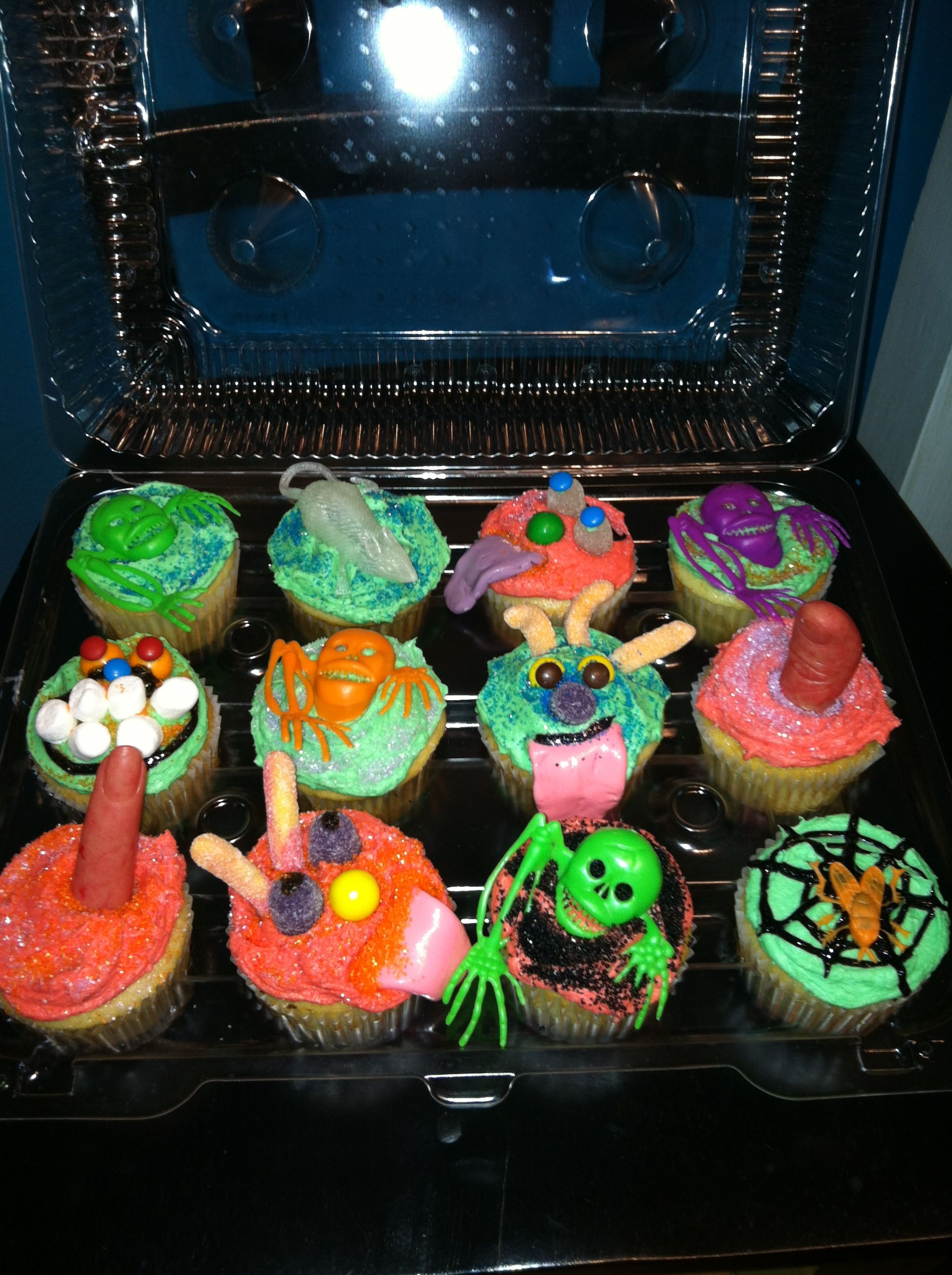 Halloween cupcakes Dollar Tree goody bag toppers