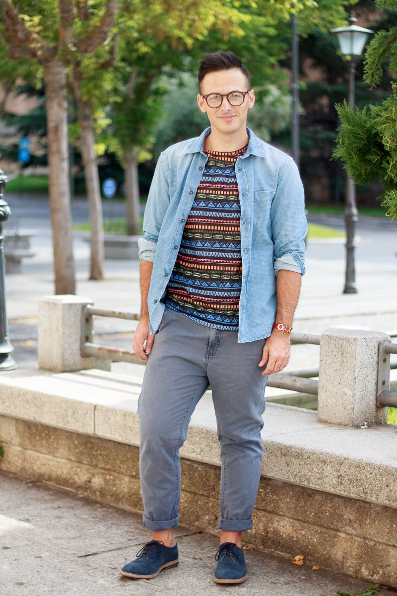 Flannel shirt tied around waist guys  ffreyherrero  mens street fashion  Pinterest  Street