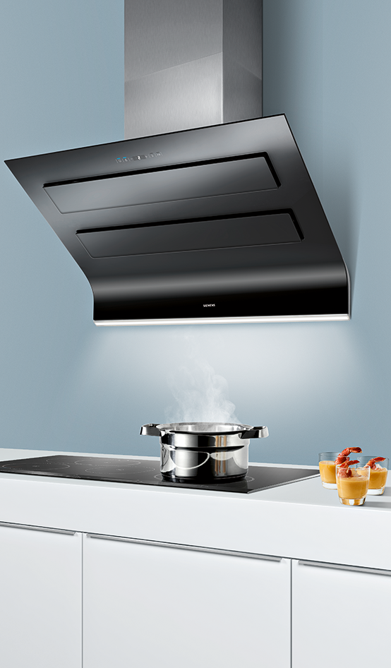 Here Comes The Future For Your Kitchen The Iq700 Cooker Hood Ventilator Isn T Only Space Saving It S Also Super Domestic Appliances Kitchen Hoods Cooker Hoods