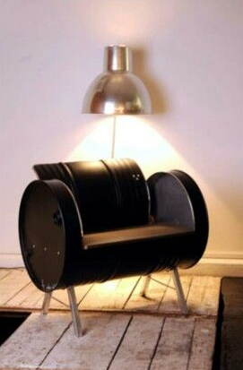 r cup rer un vieux baril d huile de garage et le transformer en fauteuil pour un look d co. Black Bedroom Furniture Sets. Home Design Ideas