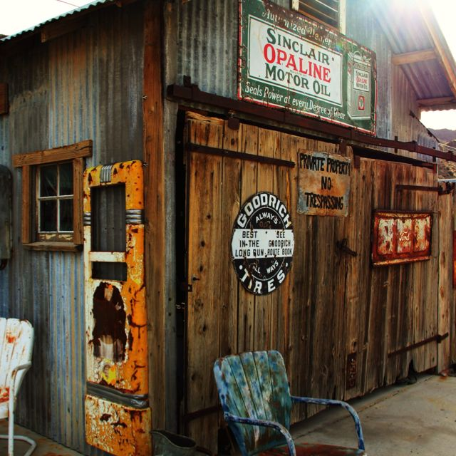 Pin By Holly On Love This Old Gas Stations Old Garage Man Cave