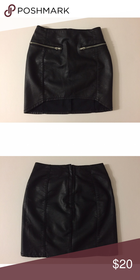 e9bbde4887 H&M Black (Faux) Leather Zip Detailing Mini Skirt - Never worn (tag  attached) - High low style - US 2 fits a XS/SMALL best - H&M Skirts Mini
