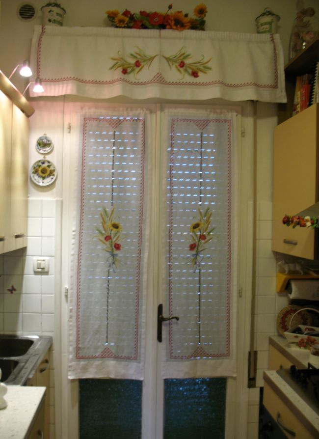 Accessori cucina country in tessuto cerca con google tende pinterest google tende e - Tende per finestra e portafinestra ...