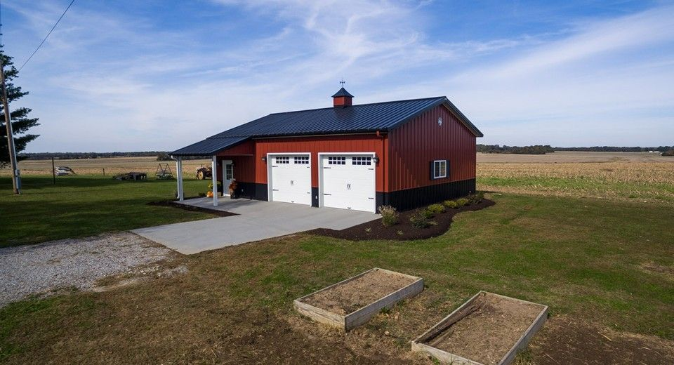 This Hobby Building Was Built For Don Of King Nc Special Features Morton 39 S Hi Rib Steel Cupol Metal Building Homes Metal Buildings Building A House