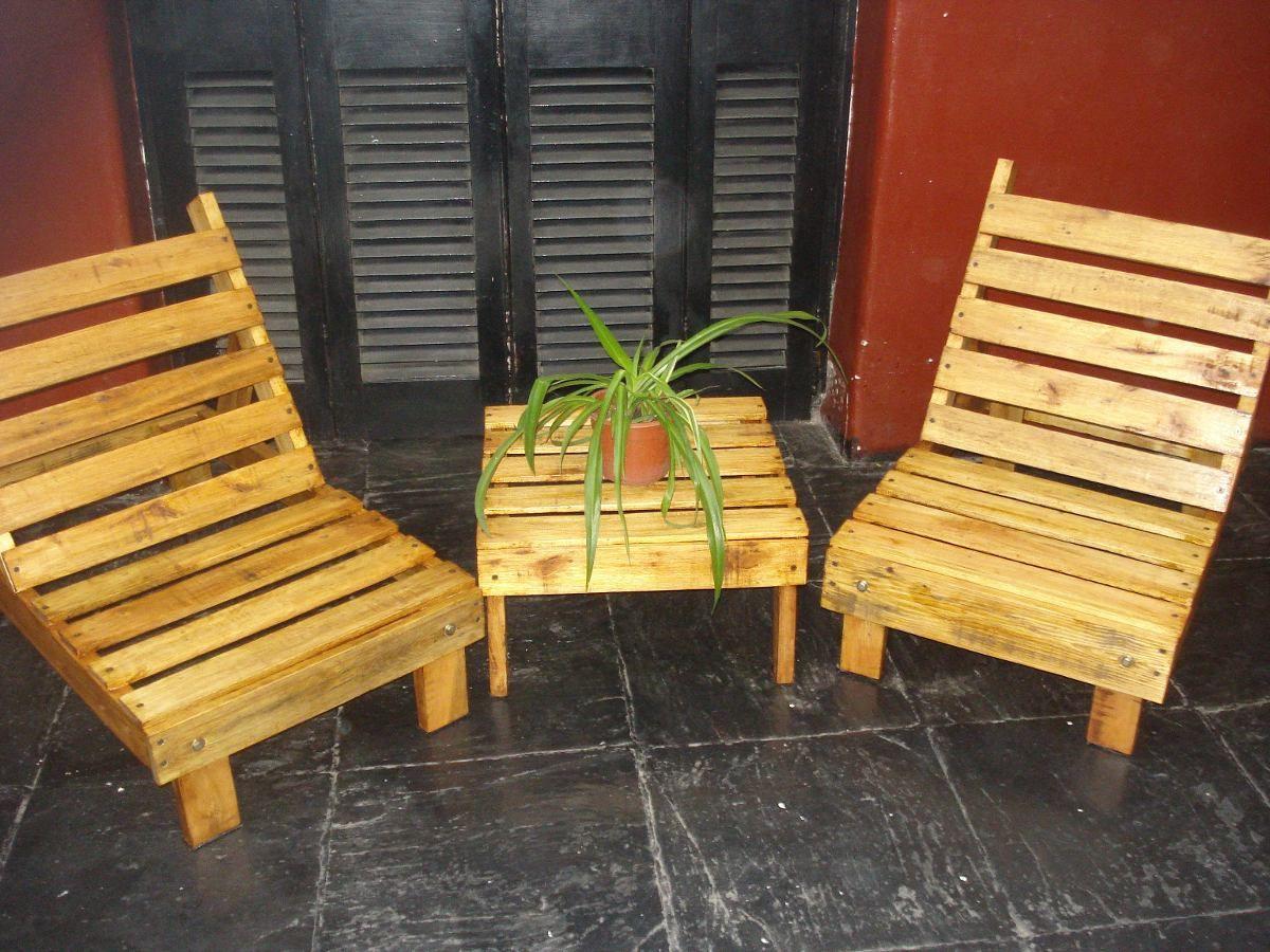 Juegos de sillones y mesita para jard n de madera de palet for Sillones jardin