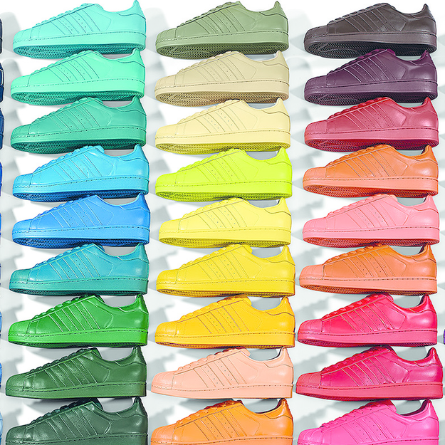 pharrell williams colore la superstar d'adidas originali
