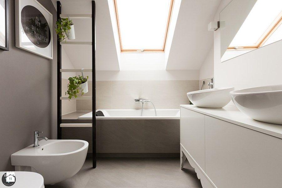 Badewanne bad dachfenster badezimmer ideen for Bad einrichtungsideen
