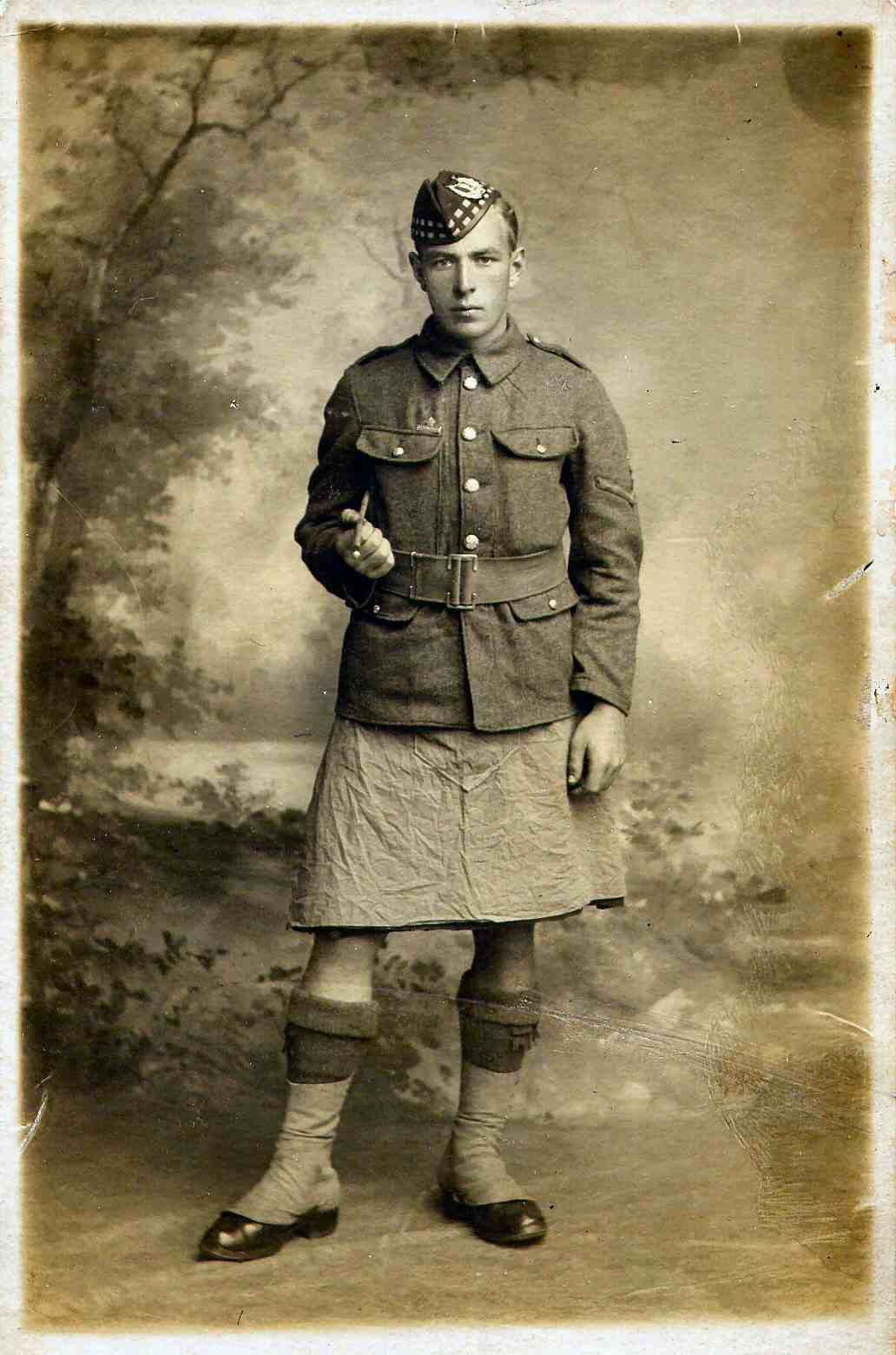 A soldier of the 5th Battalion of the Gordon Highlander in Service Dress, 1915. 2677 Corporal Fred McKenzie