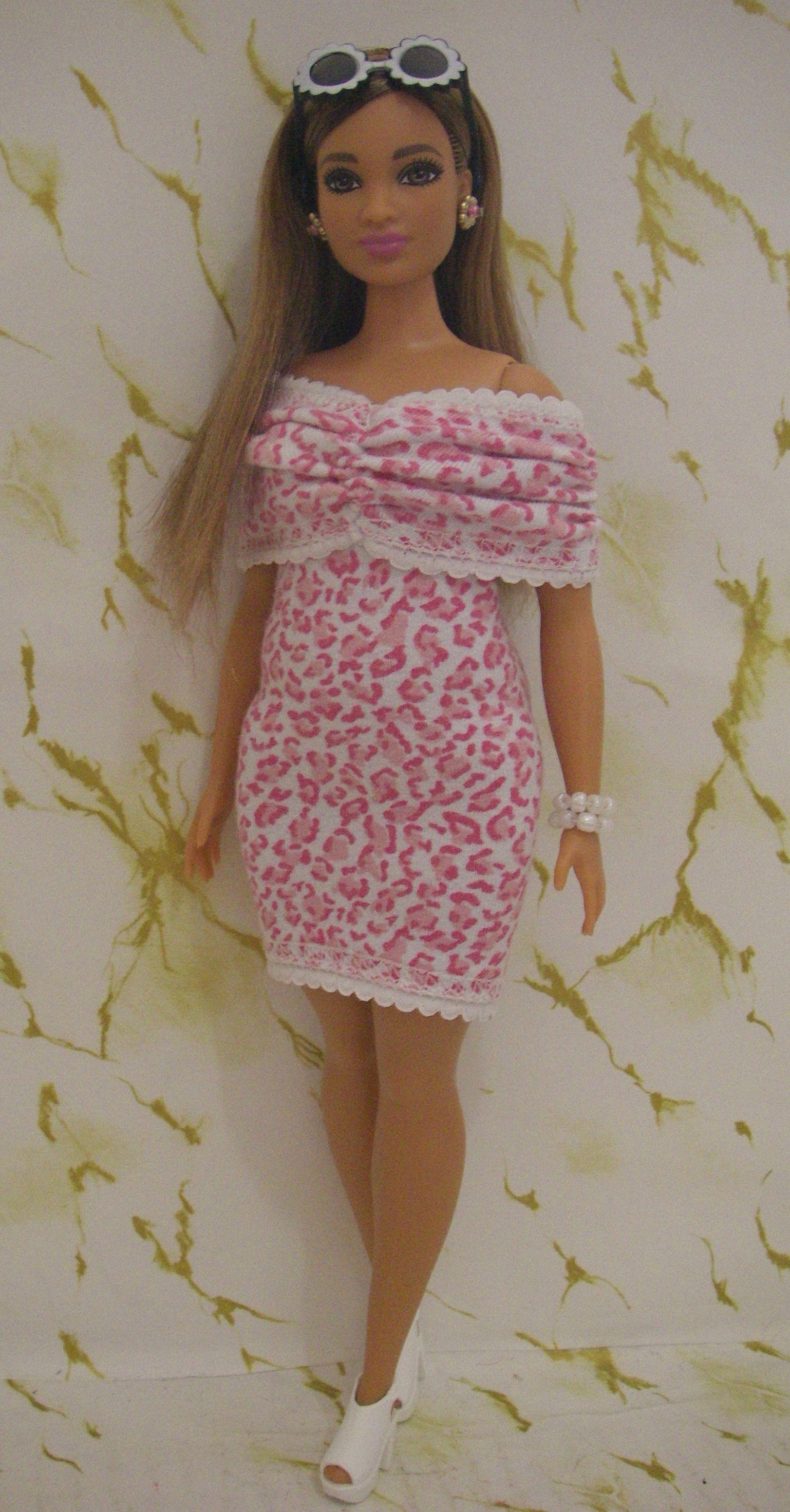 Mars matchmaker Stort universum  Barbie fashionista curvy | Barbie dress, Barbie fashionista ...
