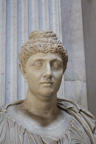 Faustina Major, wife of Antoninus Pius, ca 141,  Sala Rotonda, Museo Pio-Clementino, Roma (Photo: Giovanni Dall'Orto, 2011, Wikipedia)