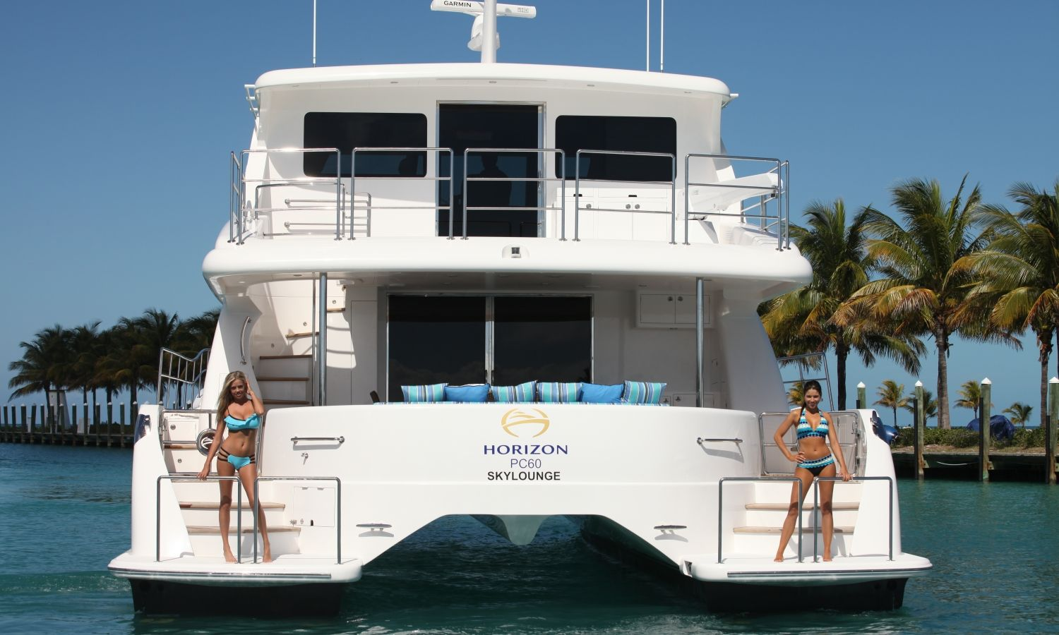 Horizon Power Catamarans Are The Title Sponsors For Southern Boating Magazines Annual 2014 Swimsuit Issue Here Is A Ph Power Catamaran Catamaran Sailing Yacht