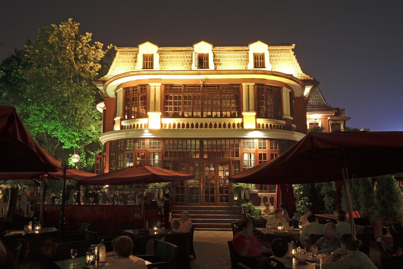 Sasha\'s Restaurant and Bar\' in Shanghai, Mansion dining and garden ...