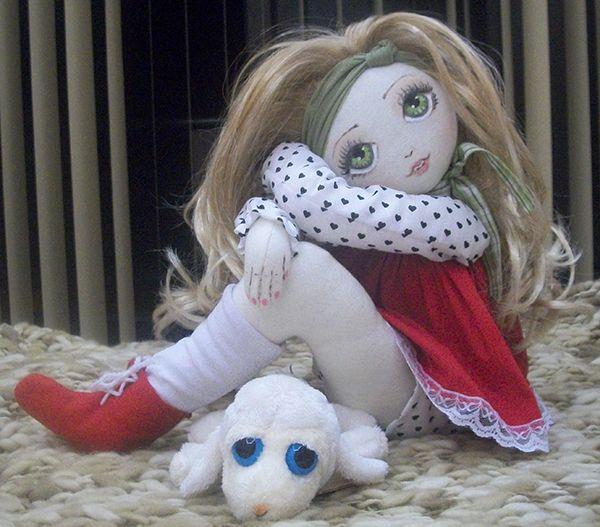 Olá meninas, Para quem tem dúvidas de como fazer seus bonecos ficarem em pé, trouxe uma ótima dica para você. Gosto de usaraqueles compensados de madeira,
