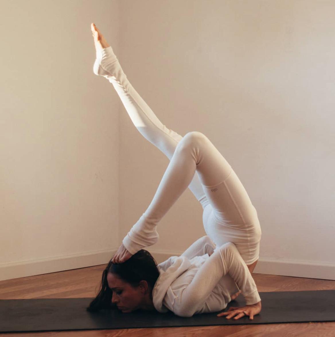@summerperez in the #AloYoga High Waist Goddess Legging #yoga #inspiration