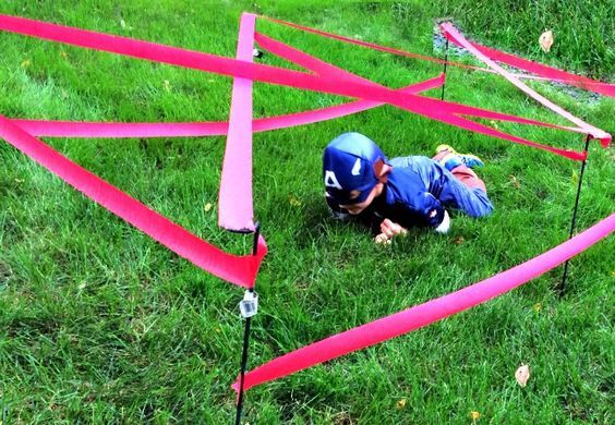 super cool and easy obstacle course as a party game Superheros