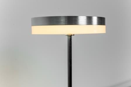 Laurie lumière luminaire éclairage lampe bureau led step