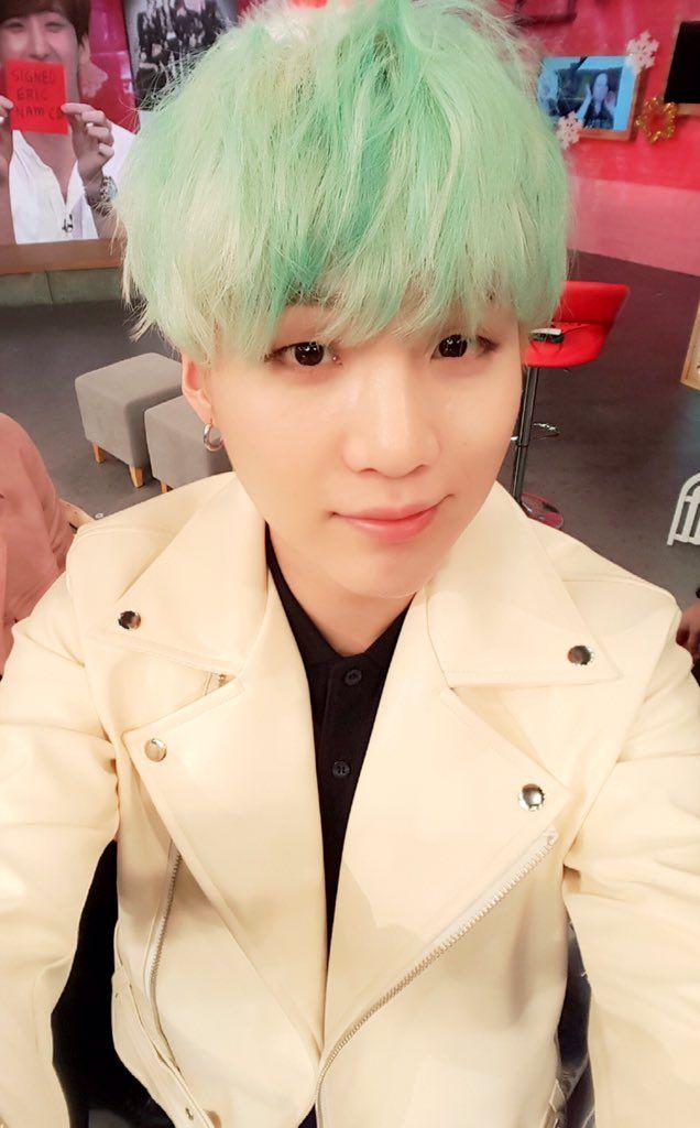 BTS   [Picture] BTS at arirang_ASC Twitter [151224] ~ Suga