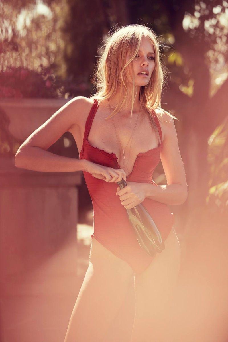 Foto de Campaña moda de baño verano 2016 de For Love & Lemons (3/17)