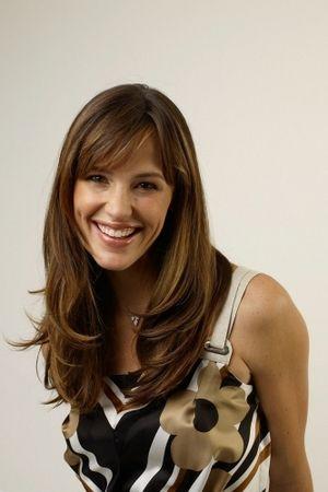 How To Get Jennifer Garner S Hairstyle Jennifer Garner Hair Hairstyle Hair Styles