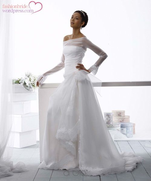 "Fashionbride's Weblog | ""we are shaped and fashioned by what we love"""