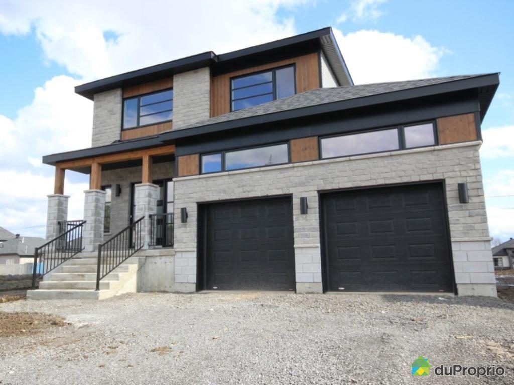 Maison neuve a vendre st j r me le alto avec garage for Maison garage double