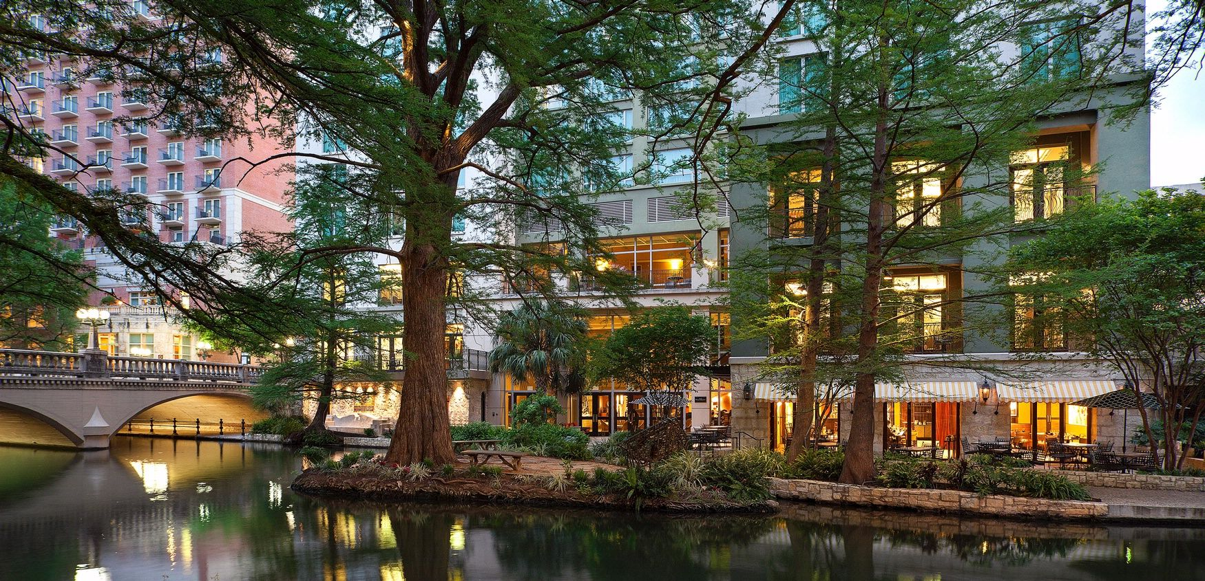 Hotel Contessa Is A Aaa Four Diamond Downtown San Antonio Nestled On The Banks Of Riverwalk Offering Beautifully Luxury Suites Amenities