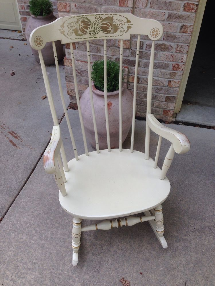 Ethan Allen Heirloom Maple White Decorated Gloucester Rocking Chair Rocker # EthanAllen #Traditional