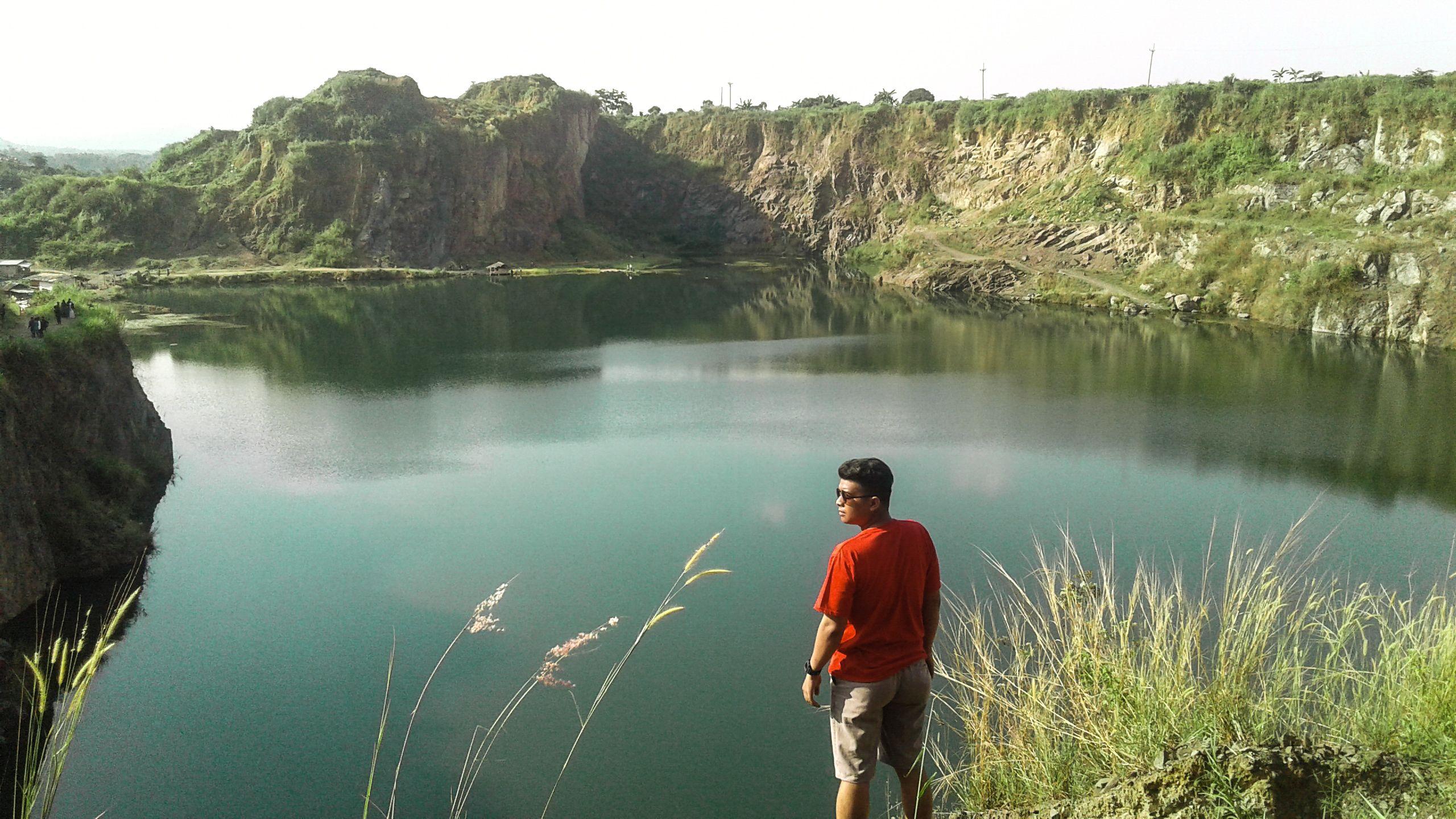 Pin oleh Irfan Azis di Danau Quarry Jayamix Rumpin Bogor Indonesia | Danau