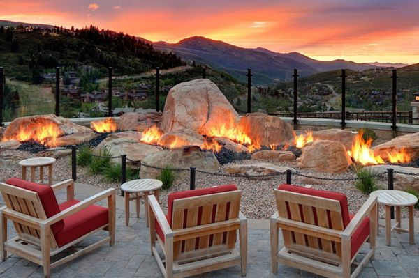 Perfect Places To Stay For Snow Bunnies Deer Valley Outdoor Backyard Fire