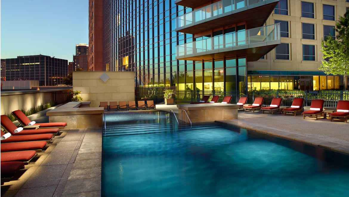 Downtown Fort Worth Hotels With Outdoor Pools