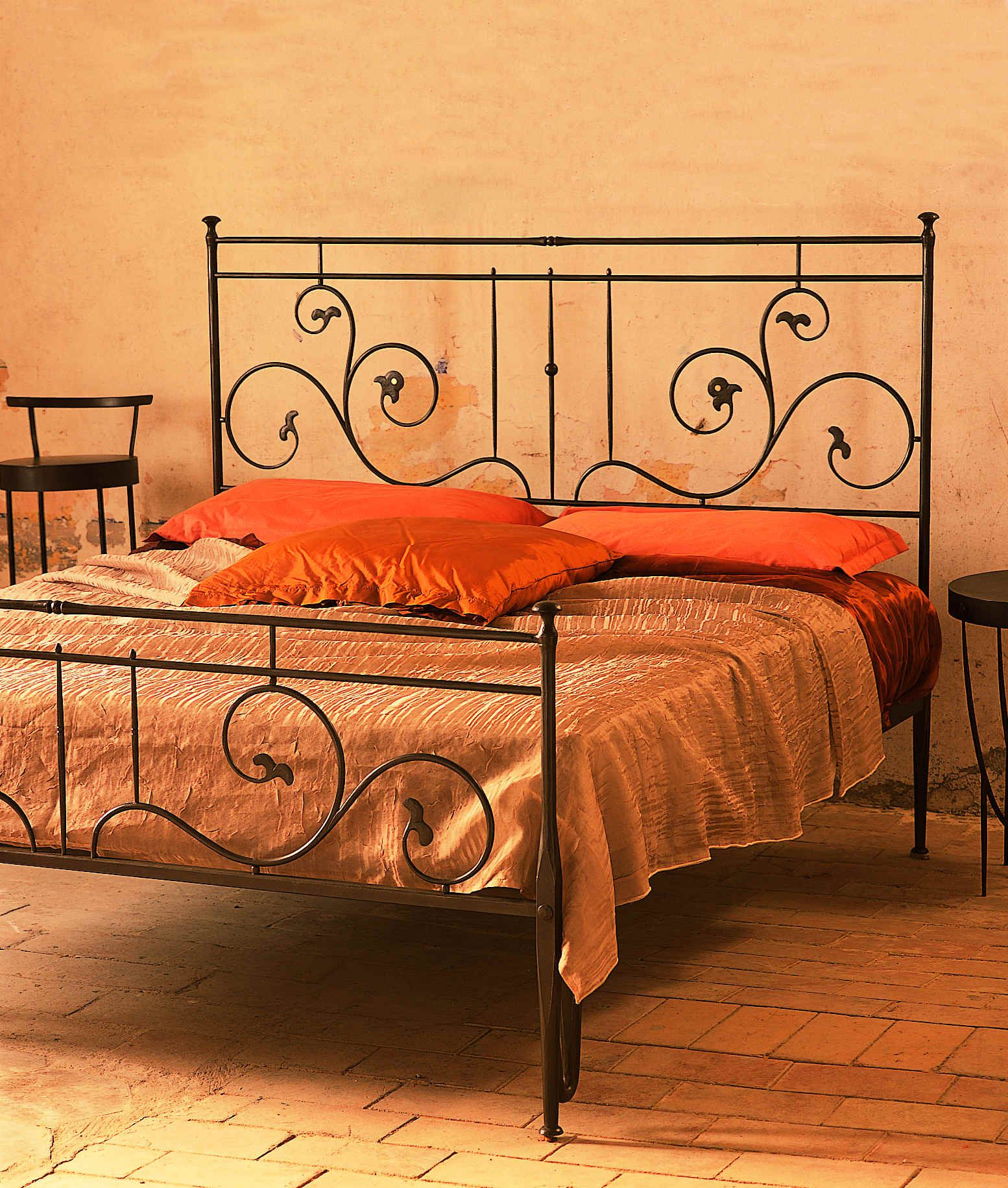This Soffio Capi Wrought Iron Bed Is Both Whimsical And Sophisticated It Would Be Perfect In Any Bedroom Get Yours Now At Tuscanhills