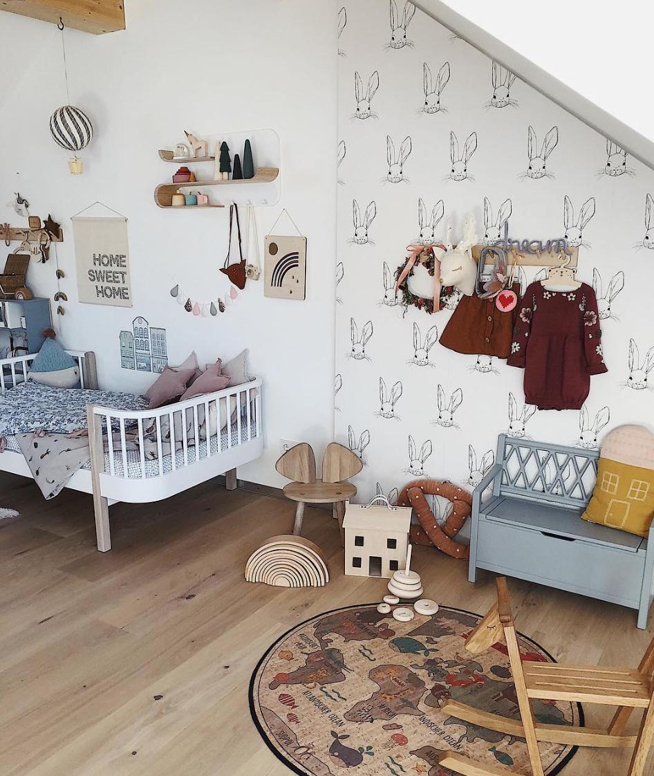 Minimalist Nursery Bedroom Furniture Design Ideas 5606: Minimalist Wooden Doll-house With